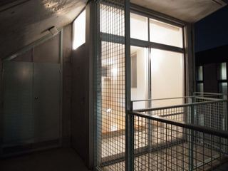 ウエストビレッジ301号室部屋の前.JPG