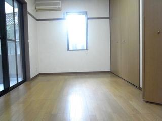 スペーシア駒沢103洋室.JPG