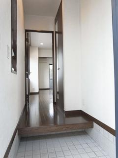 マーハイム101号室玄関 (2).JPG