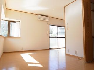 リビングハイムⅠ102号室リビング (2).JPG
