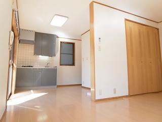 リビングハイムⅠ102号室リビング (4).JPG