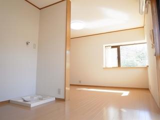 リビングハイムⅠ102号室リビング (5).JPG