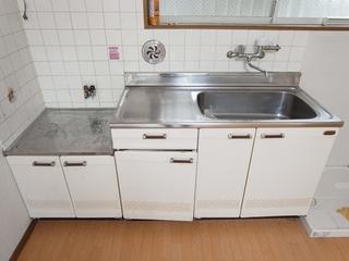 キッチン_R.JPG