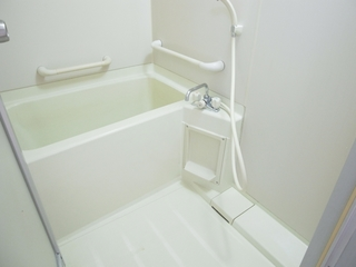 SGハイム101号室バスルーム.JPG